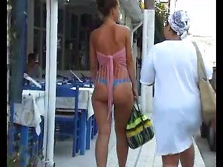 Big ass amateur whores spied topless and in...